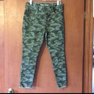 Old Navy Rockstar skinny camouflage jeans